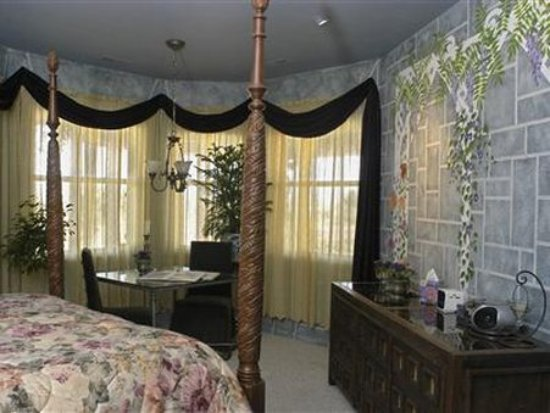 Wild Rose Manor Bed & Breakfast : Guest Room (OpenTravel Alliance - Guest room)