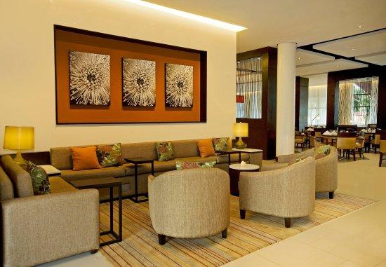 Courtyard Panama at Metromall Mall: Lobby