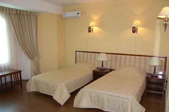 Retro Palace Hotel Apartment: Twin room