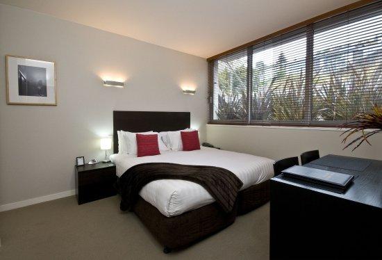 Pounamu Apartments: Studio Room