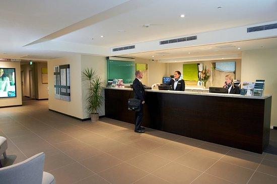 Hawthorn, Australia: Reception Check In