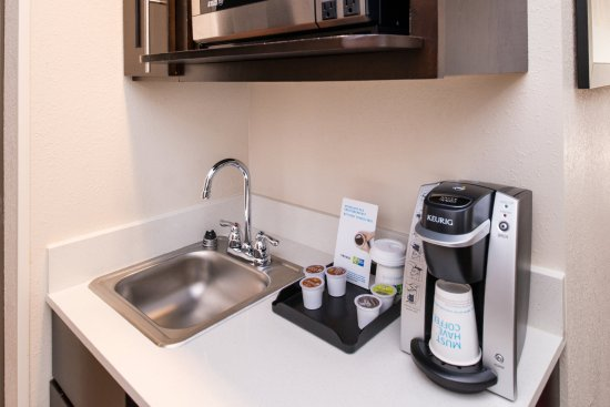 Monroe, North Carolina: Keurig Coffee Maker and Microwave