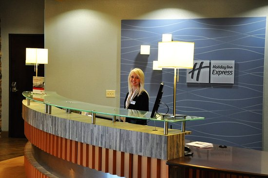Perry, GA: Front Desk