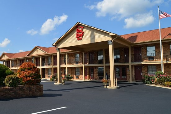 Cookeville, TN: Inn Exterior