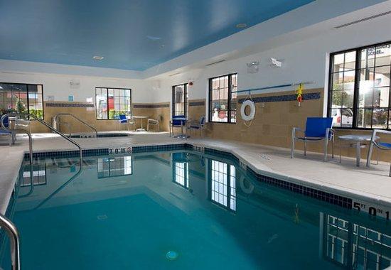 TownePlace Suites Williamsport: Indoor Pool