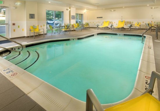 Linthicum Heights, MD: Indoor Pool