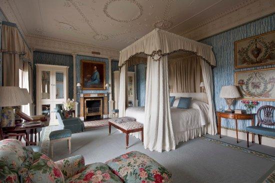 Ballyfin Demesne: Lady Caroline Coote Junior Suite