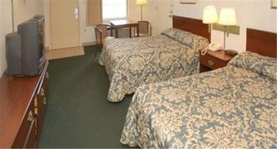 Dawson, GA: Two Double Beds