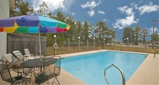 Dawson, GA: Pool