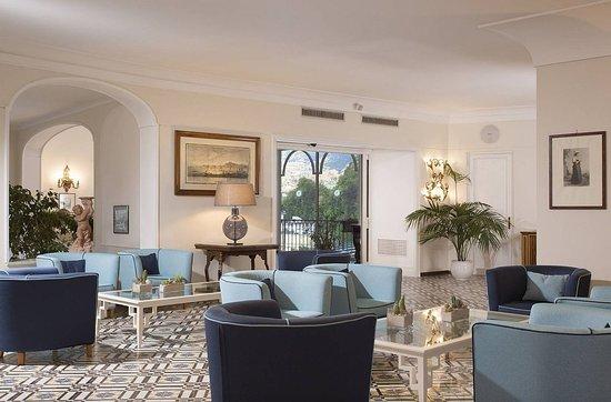 Grand Hotel Capodimonte: Lobby
