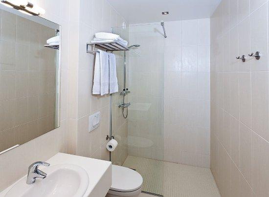 Hotel Klettur Bathroom