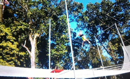 Club Med Cherating Beach: Challenging trapeze activity