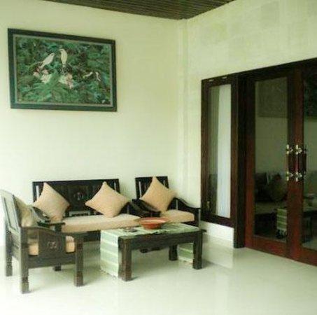 Evita Villa: Lobby view