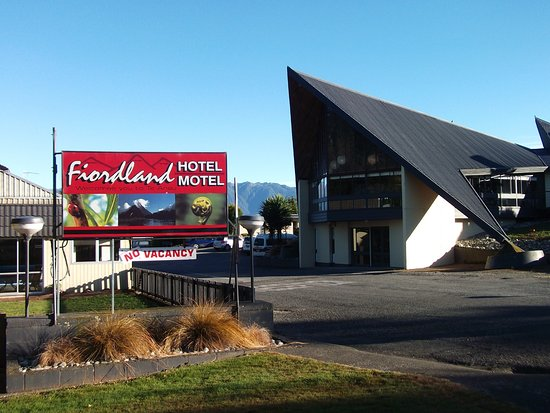 Fiordland Hotel/Motel: From the road