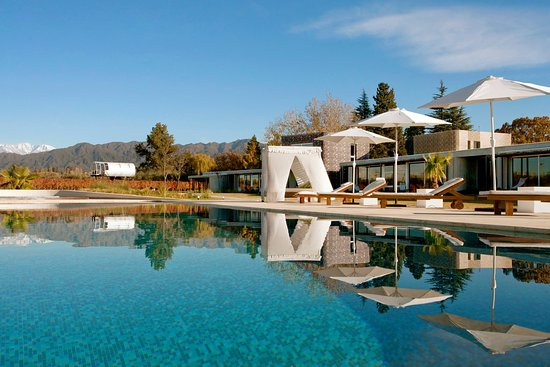 Entre Cielos: Pool View