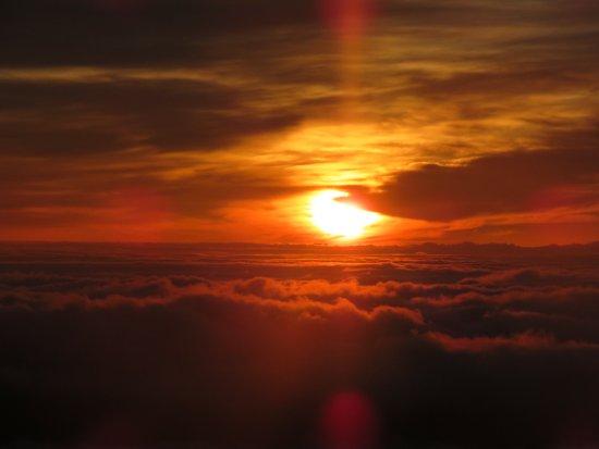 Cruiser Phil's Volcano Riders: Sunrise