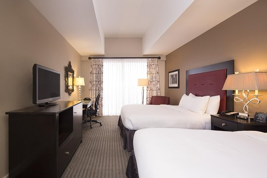 DoubleTree by Hilton Hotel Raleigh - Brownstone - University: Double Guestroom