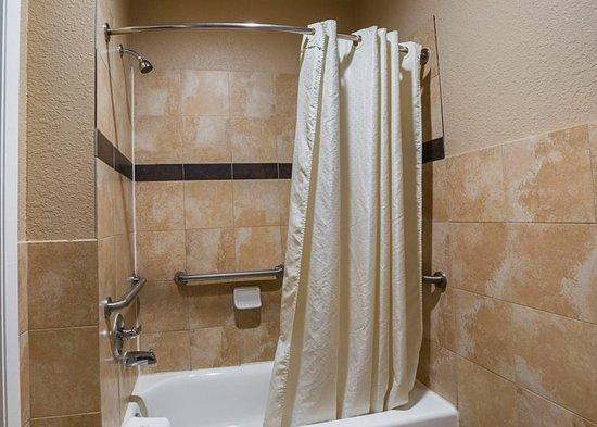 Baytown, Техас: STXBTKing Bathroom