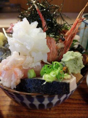 海鮮丼(違うアングル)