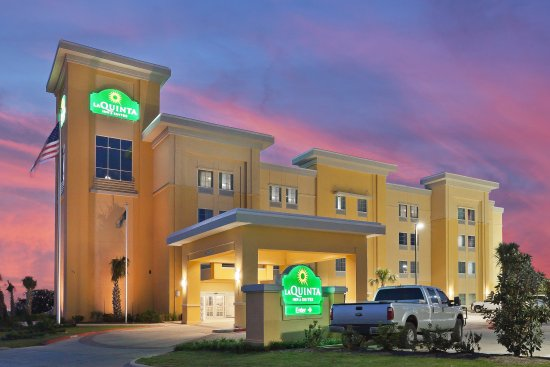 La Quinta Inn & Suites Pearsall : ExteriorView
