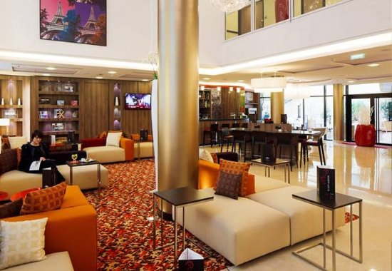 Courtyard by Marriott Paris Boulogne: Our hotel in Boulogne-Billancourt offers 4-star comfort and service