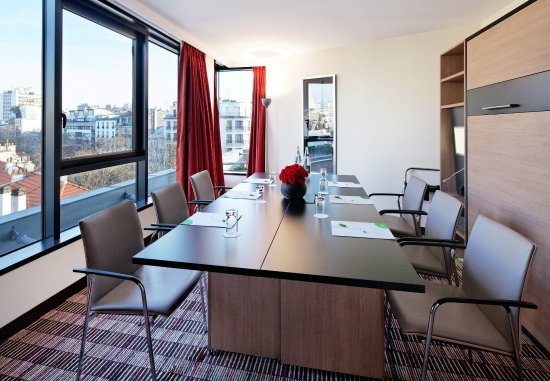 Courtyard by Marriott Paris Boulogne: Hold your next event in our Murphy Room