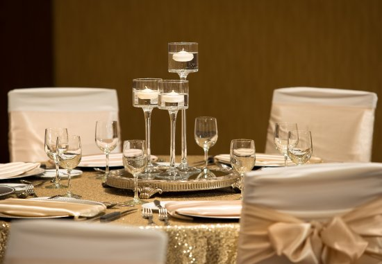 Courtyard by Marriott Calgary Airport: Social Events in Calgary