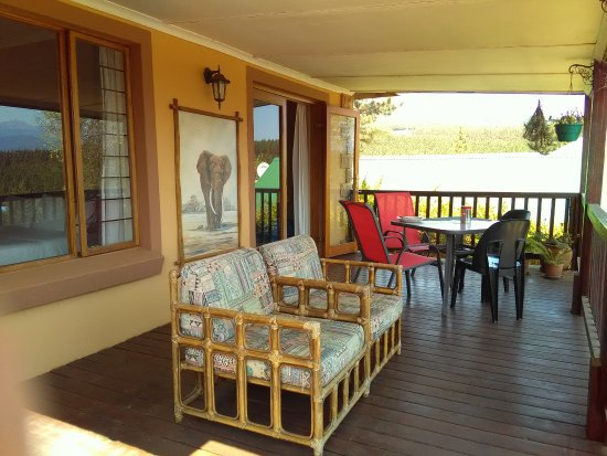 Sabie, South Africa: Bridal Veil Falls Suite - Covered Deck Area