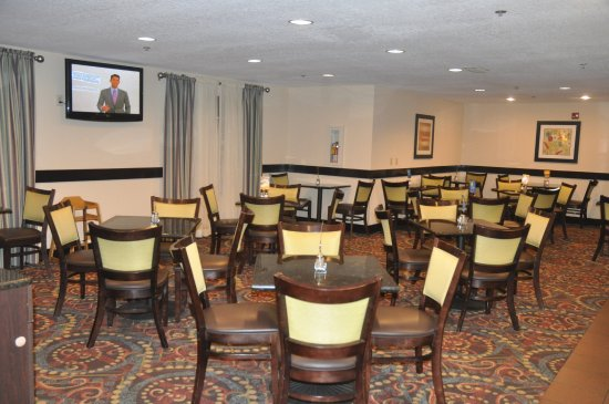 Holiday Inn Express Sarasota I-75: Guest Dining Lounge