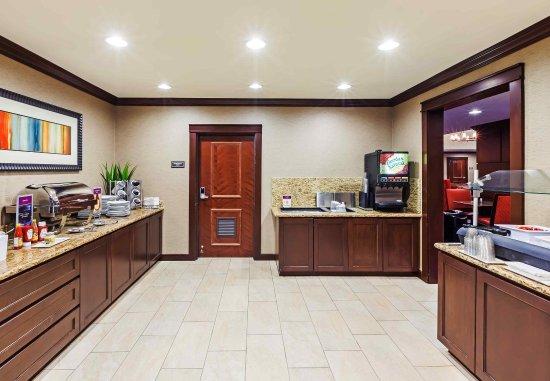 Residence Inn Houston I-10 West/Park Row: Breakfast Buffet