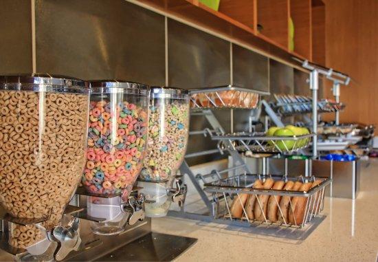 Moosic, بنسيلفانيا: Breakfast Buffet