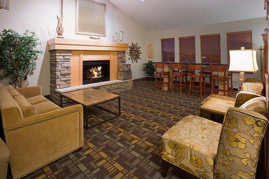 Americ Inn Osage Lobby