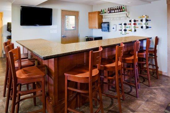 Americ Inn Osage Lounge