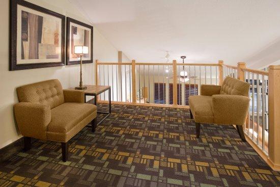 Americ Inn Osage Upper Lobby