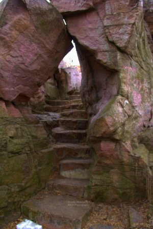 Pipestone, MN: Stairway to top of falls