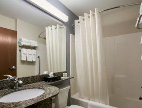 Stanley, North Dakota: Bathroom
