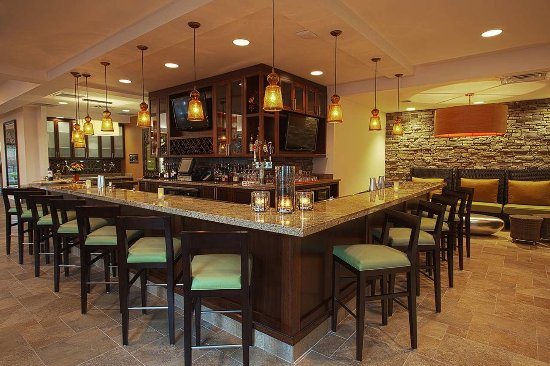 Phoenixville, Pensilvania: Hilton Garden Inn Valley Forge/Oaks Bar & Lounge