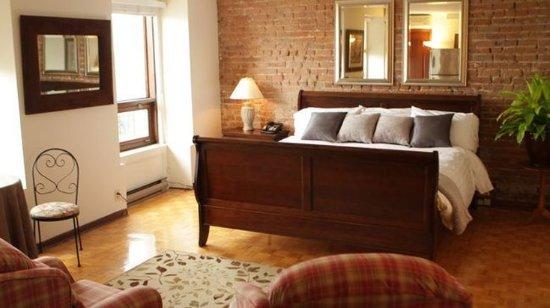Auberge de la Place Royale: King Suite with Spa Bath