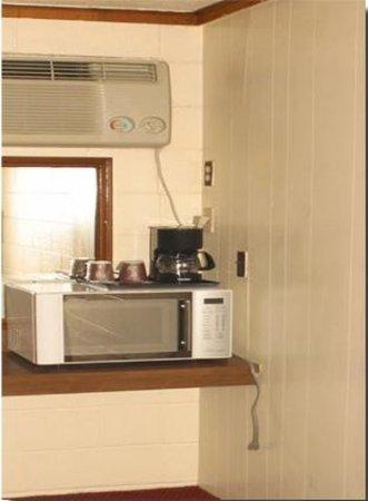 Neosho, MO: King Microwave