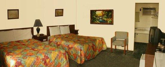Neosho, MO: Double Beds