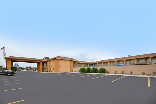 Americas Best Value Inn & Suites-Las Cruces/I-10 Exit 140: Exterior
