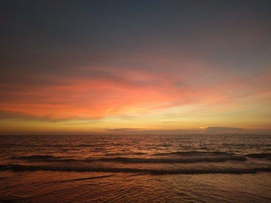 Beachcomber at Lanta Castaway: IMG_20170323_184757_large.jpg