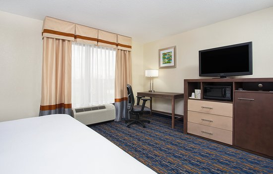 Berea, KY: Spacious King Suite