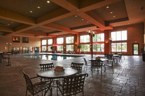 Holiday Inn Hotel & Suites St. Paul NE - Lake Elmo: Swimming Pool