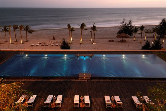 Princess D'An Nam Resort & Spa: Infinity Pool
