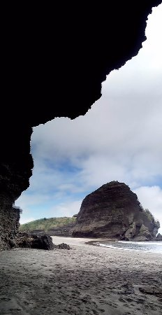 South Piha Beach