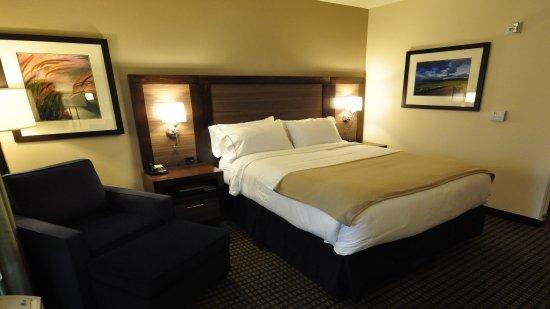 Belgrade, MT: Queen Bed Guest Room