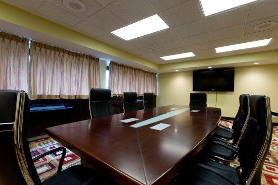 Clinton, NJ: Boardroom