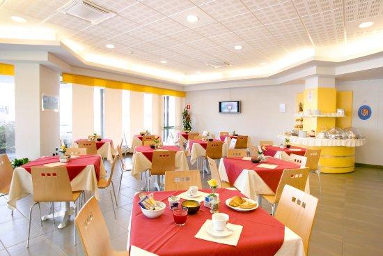Fossano, Italy: Breakfast hall