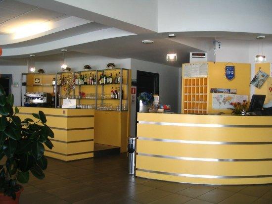 Fossano, Italia: Bar Reception